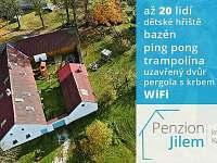 Levné ubytování v jižních čechách, mimosezóní i sezóní ubytování, perhola, dvůr - Jilem