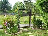 Branka do zahrady