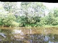 panoramatický pohled ze břehu - Val