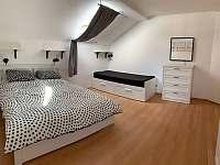 Ložnice 2 - pronájem vily Lipno nad Vltavou