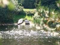 loďka k dispozici - pronájem chaty Strmilov