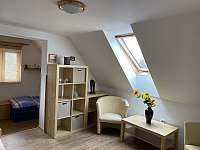 Ložnice podkroví - chalupa ubytování Benešov nad Černou - Kuří