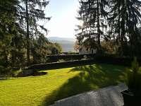 Apartmány LIPNOczech_zahrada k relaxaci a odpočinku, který si zasloužíte na Vaší
