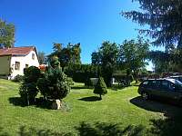 Zahrada s parkovánim
