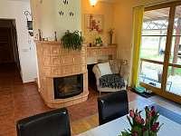 Obývací pokoj + kuchyně - chalupa ubytování Novosedly nad Nežárkou