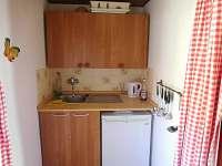 Kuchyně - pronájem chaty Zárybničná Lhota