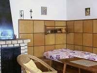 obývací místnost - posezení u kamen