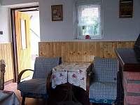 společenská místnost - chalupa k pronájmu Hluboká u Borovan