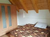 Ložnice pro dospělé - chalupa ubytování Lužnice