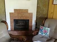 Obývací pokoj s krbem-R188