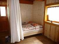 Obývací pokoj s manželskou postelí R188 - Hrachoviště u Třeboně