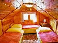 ložnice v podkroví - pronájem chaty Kunžak
