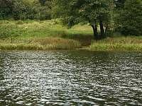 přístup do vody - chata k pronájmu Kunžak