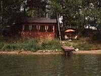 čelní pohled z rybníka