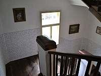 Pohodlné schodiště - chalupa k pronajmutí Bavorov