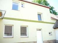 Chalupa Hrdlořezy - pohled ze dvora - k pronájmu Suchdol nad Lužnicí - Hrdlořezy