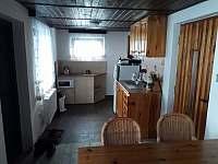 kuchyň - chalupa k pronájmu Nové Domky