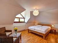 Dům se 3 ložnicemi - vila k pronájmu Nová Bystřice