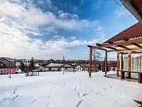 Okolí rodinných domů - Nová Bystřice