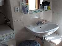 koupelna - chalupa k pronajmutí Defurovy Lažany