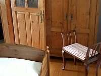 ložnice pro 1.osobu a možnost dětské postýlky - chalupa k pronájmu Defurovy Lažany