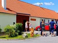 Apartmány Mezilesí - vchod - chalupa k pronajmutí Čížkrajíce - Mezilesí