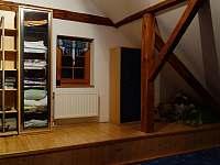 druhý prostor v podkroví - pronájem chalupy Dolní Žďár - Horní Lhota