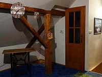 podkroví, dveře do koupelny - Dolní Žďár - Horní Lhota