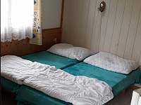 Ložnice chata č. 49 - Dobronice u Bechyně
