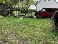 Parkování na zahradě - Spolí