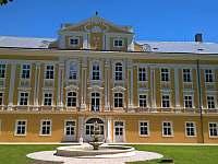 Zamek z parku