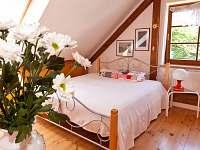 1.ložnice v podkroví-lůžko - rekreační dům k pronájmu Kardašova Řečice