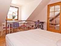 2.ložnice v podkroví - rekreační dům ubytování Kardašova Řečice