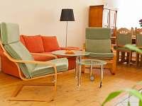 obývací pokoj v přízemí - Kardašova Řečice