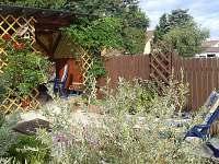 posezení v zahradě - rekreační dům ubytování Kardašova Řečice