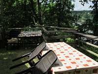 terasa - pronájem chalupy Zvíkovské Podhradí
