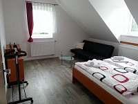 Apartmán červený-1.pokoj s dvěmi lůžky - pronájem rekreačního domu Nová Včelnice