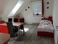 Apartmán červený - přistýlka v obytné kuchyni - rekreační dům k pronajmutí Nová Včelnice