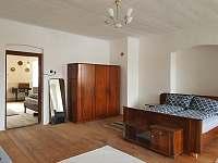 Tvrz Čepřovice, ložnice - chalupa k pronajmutí