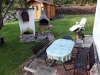 posezení venku - chata k pronájmu Frymburk - Lojzovy Paseky