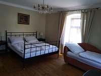 ložnice 1 - pronájem rekreačního domu Písečné nad Dyjí
