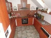 kuchyně - chalupa k pronajmutí Černovice u Tábora