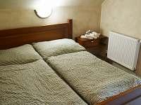 ložnice - chata k pronájmu Lojzovy Paseky