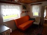 obývací kout + jídelní stůl