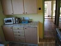 kuchyň - chalupa ubytování Malonty - Jaroměř