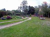 Zahrada - pronájem chalupy Český Rudolec