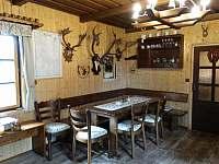 Společenská místnost - chata k pronajmutí Staré město pod Landštejnem