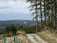 Výhled od chaty na hrad Landštějn. - Staré město pod Landštejnem