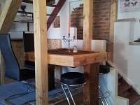 kuchynsky bar - pronájem chalupy Hroznějovice