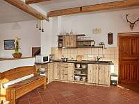 Vybavená kuchyně - pronájem chalupy Sudoměřice u Bechyně